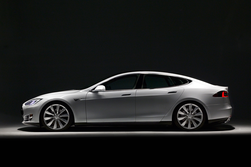 Tesla model S – The first fully electric car done right