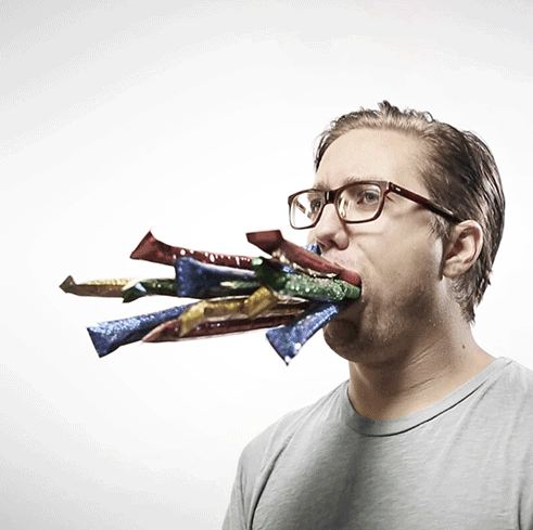 Absurd And Hilarious Animated Portraits By Romain Laurent